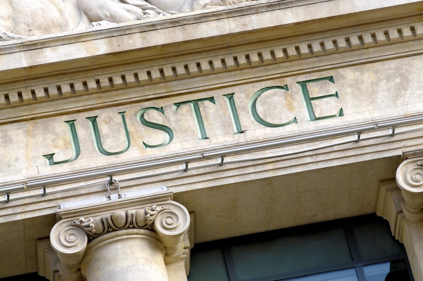 13onze15 Fraternité et vérité, association des victimes des attentats de Paris et Saint-Denis, poursuites pénales